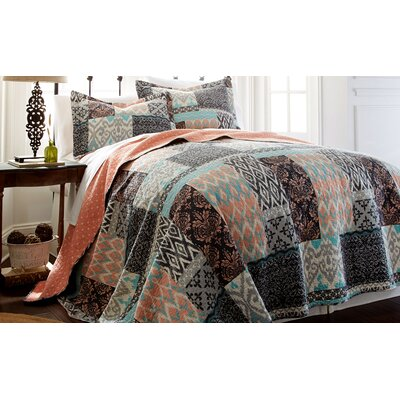 Sylvia Quilt Set Size: Full/Queen