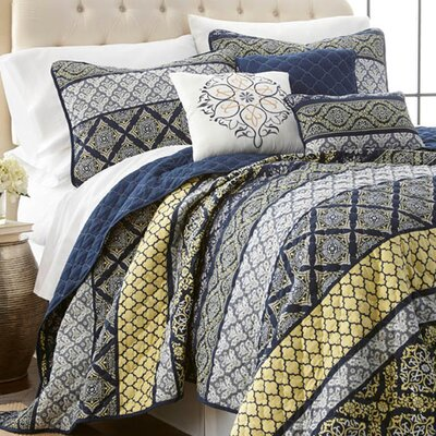 Carrie 6 Piece Quilt Set Size: King