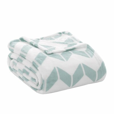 Chevron Plush Blanket Size: Twin / Twin XL, Color: Aqua / White