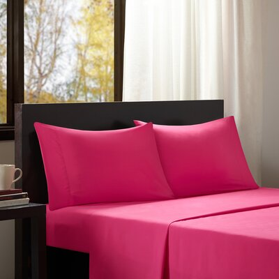 Intelligent Design Solid Sheet Set Size: Queen, Color: Pink