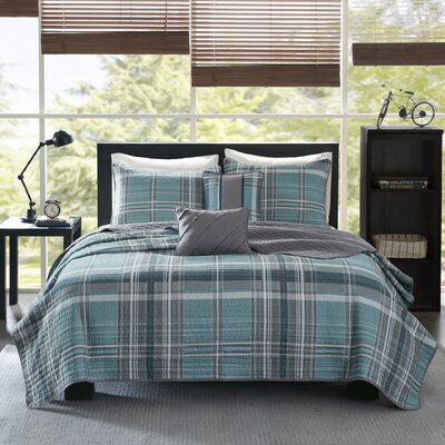 Harold Reversible Coverlet Set Size: Full/Queen