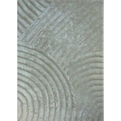 Shaggy 3D White Area Rug Rug Size: 76 x 102