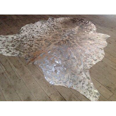 Alia Hand-Woven Cowhide Metallic Silver/Ivory/Beige Area Rug