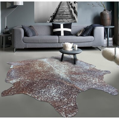 Gleaming Soft on Hand-Woven Brown Area Rug