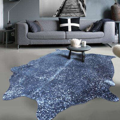 Exquisite Gleaming Acid Wash Hand-Woven Silver/Black Area Rug