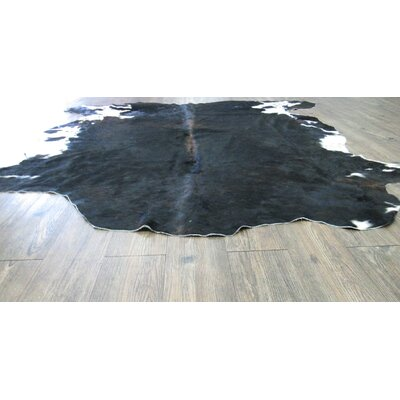 Astonishing Exquisite Hand-Woven Black Area Rug