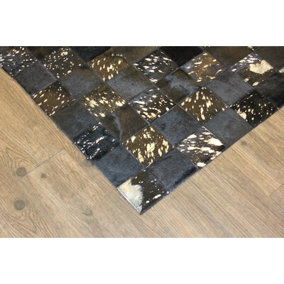 Dillion Hand-Woven Black/Gray Area Rug
