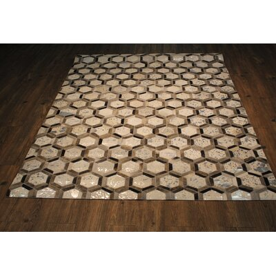 Jamarcus Hand-Woven Silver/Gray Area Rug