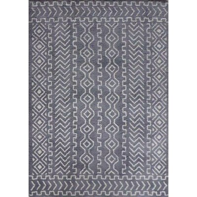 Ena Diamond and Square Handmade Gray/White Area Rug