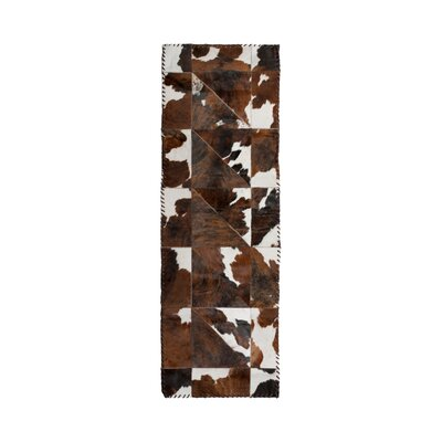 Danwood Stitch Hand-Woven Cowhide White/Chocolate Area Rug
