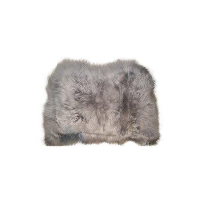 Cuesta Hand-Woven Sheepskin Gray Brisa Area Rug