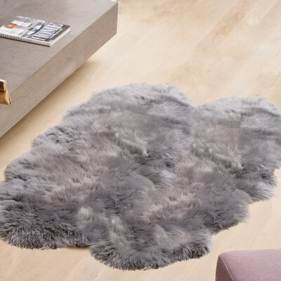 Oma Hand-Woven Sheepskin Gray Area Rug