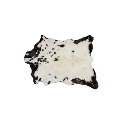 Dywer Natural Hand Knotted Calfskin White/Black Area Rug