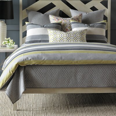 Wainscott Hand Tacked Comforter Color: Citron, Size: Full