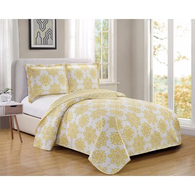 Esbjerg�Fashion Printed Reversible Quilt Set Size: Full/Queen