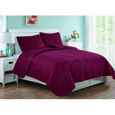 Afton 3D Etched Basket Weave Reversible Quilt Set Color: Burgundy, Size: Twin