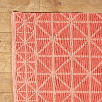 Tri Your Best Coral Reversible Rug Rug Size: 5 x 8