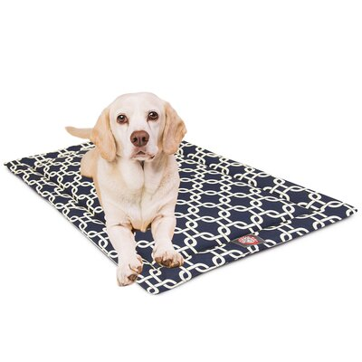 Links Dog Mat Size: 21 W x 30 D x 2 H, Color: Navy Blue/White