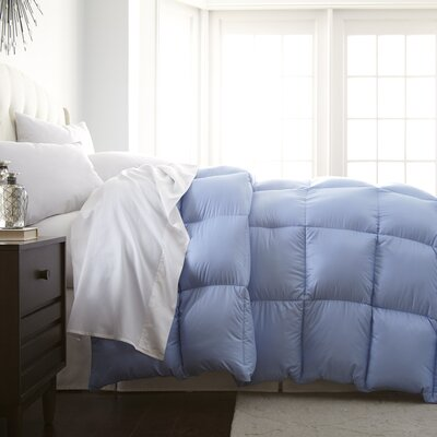 Veedersburg Luxurious Premier Quality Down Alternative Comforter Color: Light Blue, Size: Full / Queen