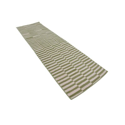 Braxton Grass Green/White Area Rug Rug Size: Runner 29 x 91