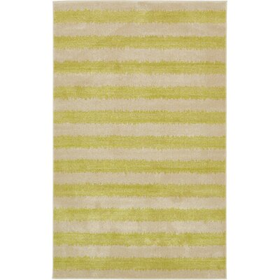 Travis Traditional Green/Beige Area Rug Rug Size: 5 x 8