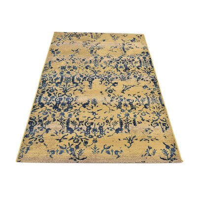 Eris Floral and Plants Beige Indoor/Outdoor Area Rug Rug Size: 4 x 6