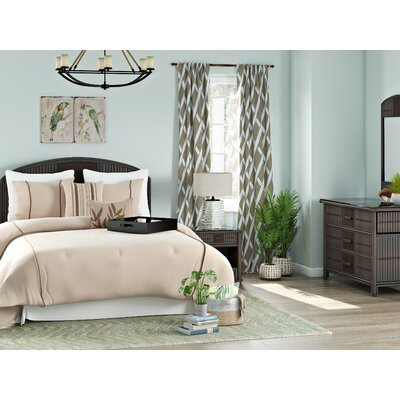 Hutchinson Island South Platform 4 Piece Bedroom Set Size: Queen
