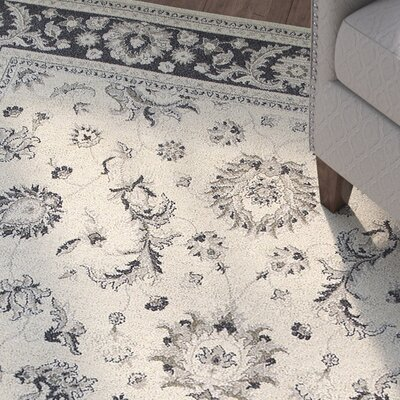 Cynthiana Ivory/Navy Area Rug Rug Size: Rectangle 910 x 1210
