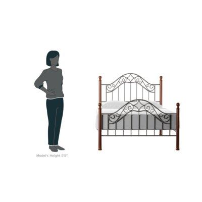 Cleo Panel Bed Size: Queen