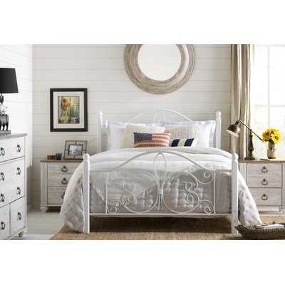 Paula Floral Bedspread Size: Queen, Color: Ivory