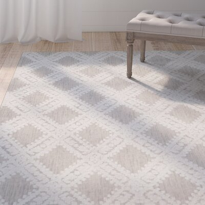 Lizzie Hand-Loomed Silver/Ivory Area Rug Rug Size: Rectangle 9 x 12