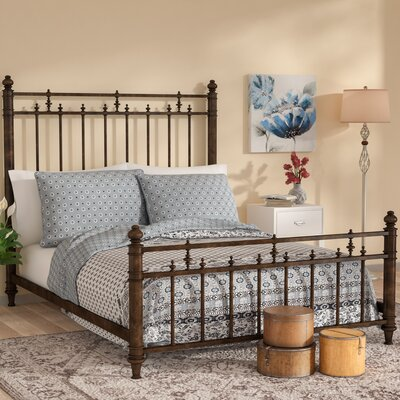 Finnegan Platform Bed Size: Queen