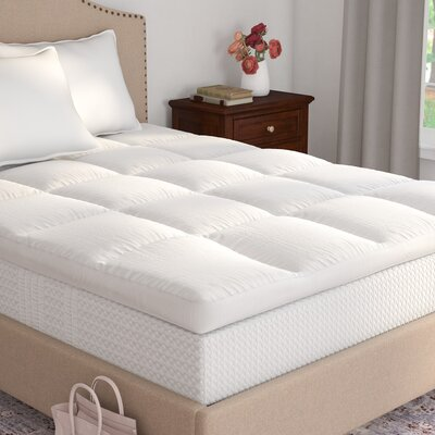 Ultimate Comfort 5 Down Mattress Topper Size: Queen