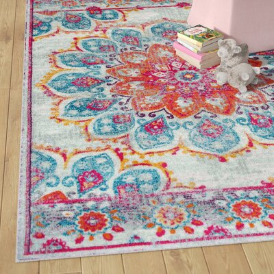 Felicity Pink Area Rug Rug Size: Rectangle 5 x 75