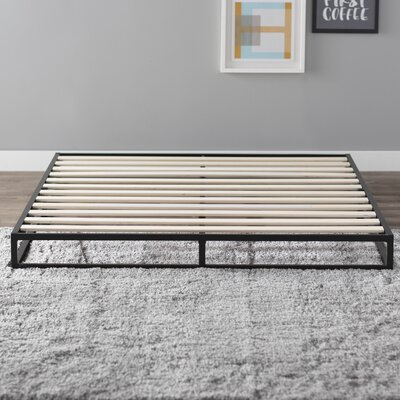 St. Germain Platform Bed Size: Queen