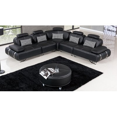 Henline Sectional Finish: Black