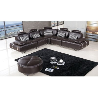 Henline Sectional Finish: Dark Chocolate