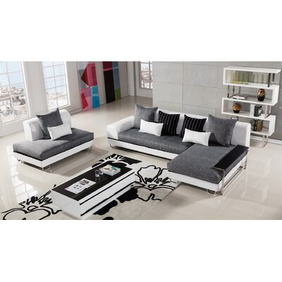 Henriksen Sectional Orientation: Right Facing