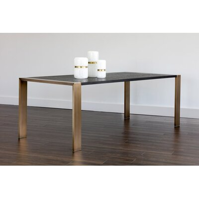 Club Dalton Dining Table