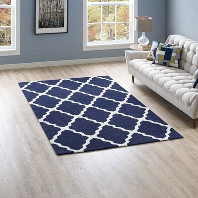 Tylersburg Moroccan Trellis Navy/Ivory Area Rug Rug Size: Rectangle 5 x 8