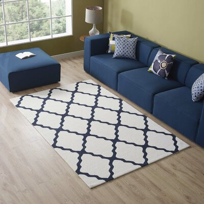 Tylersburg Moroccan Trellis Ivory/Navy Area Rug Rug Size: Rectangle 5 x 8