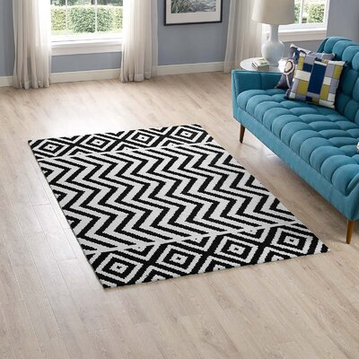 Shaunna Black/White Area Rug Rug Size: Rectangle 5 x 8
