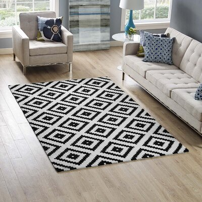 Shaunda Abstract Diamond Black/White Area Rug Rug Size: Rectangle 5 x 8