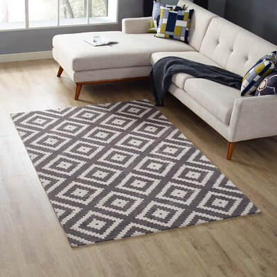 Shaunda Abstract Diamond Ivory/Charcoal Area Rug Rug Size: Rectangle 5 x 8