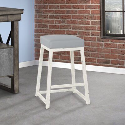 Courter Bar Stool Seat Height: 26