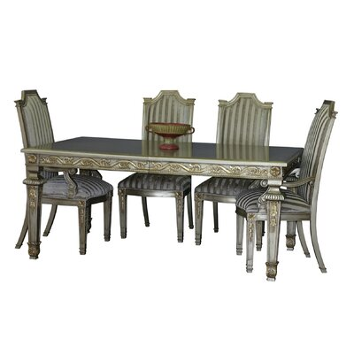 Middleburgh Extendable Dining Table