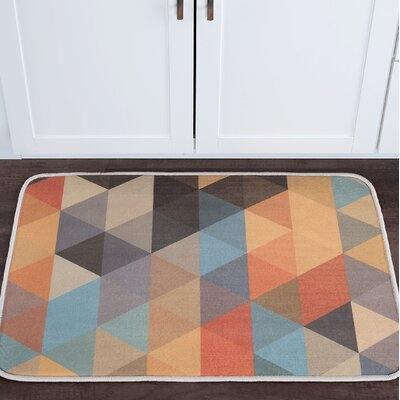 Weitzman Triangles Foam Core Bath Rug Size: 20 W x 30 L