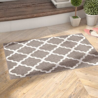 Garen Moroccan Trellis Shag Doormat Color: Grey/White