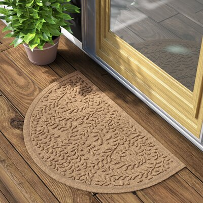 Fairborn Aqua Shield Boxwood Doormat Color: Camel