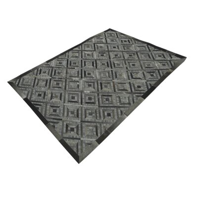 Cheshire Hand-Tufted Gray Area Rug Rug Size: Rectangle 711 x 910